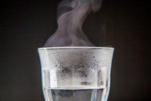 お白湯はデットクス、消化促進、新陳代謝アップ、全身機能の活性化、内臓疲労回復 など体にとってよいことばかりです!