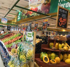 ペルーではフルーツ好きにはたまらない、美味しいフルーツが安く手に入ります。