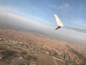 飛行機から見た、南米ペルーの街並みです。