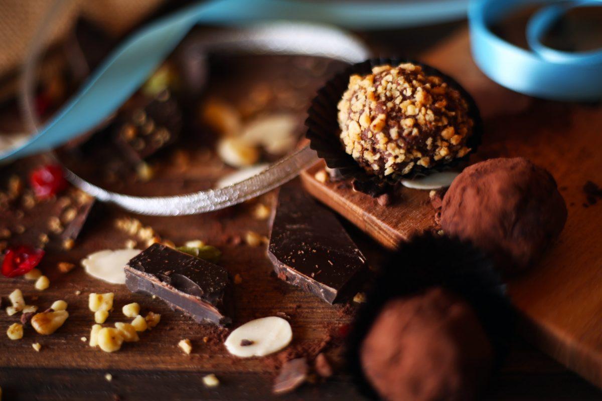 バレンタインの季節におすすめのチョコレート、ローチョコレートの成分や魅力についてご紹介します!