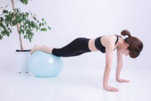 ピラティスは体幹やインナーマッスルを鍛えるエクササイズの一つでもあります。