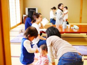 子連れでも参加できるこの食育講座では、保育士でもある鈴木阿紗子さんが2つの講座が終わるまで最強助っ人でした!