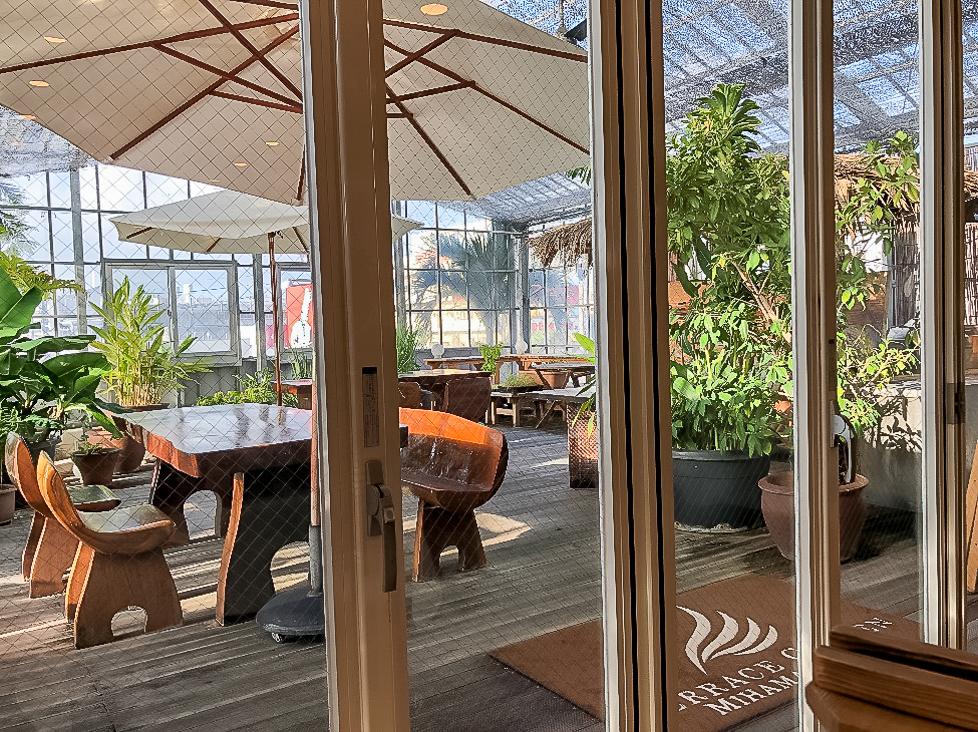 沖縄のオーガニックにこだわったリゾートホテル・テラスガーデン美浜リゾートのダイニングカフェ