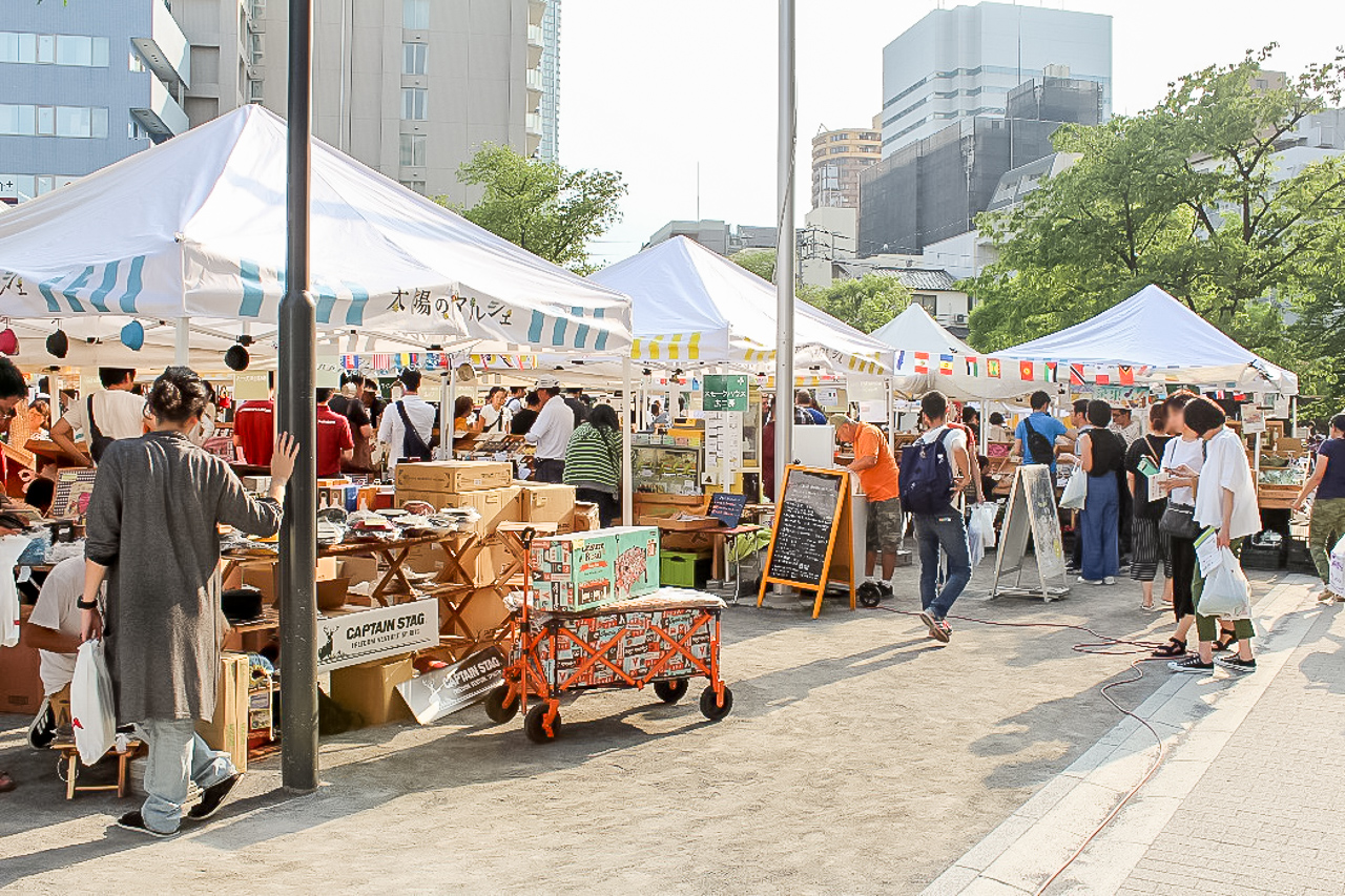 近年増えてきた都市型マルシェの出店数の多い勝どきで行われている『太陽のマルシェ』の様子