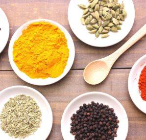 夏バテ予防夏の食欲不振の解消にスパイスを使ったカレーのご紹介です。