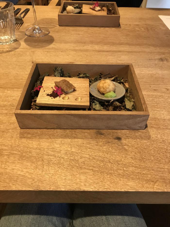 SAYS FARMでは、富山でとれた新鮮な魚や野菜、農園で採れたフルーツを使ったランチを頂くことができます。