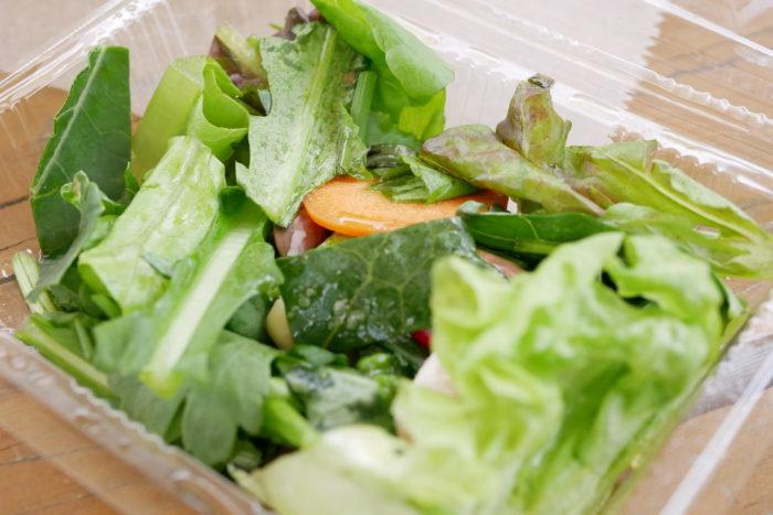 十勝あずきで知られる、とかちは日本有数の豆の産地。あまり見慣れないこのお豆は「手亡豆(てぼうまめ)」と言って、和菓子の白あんなどの材料に使われることが多いそうです。