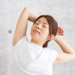パーソナルトレーナーが肩こりについて解説!肩こりを緩和させる5つのストレッチ方法をご紹介!