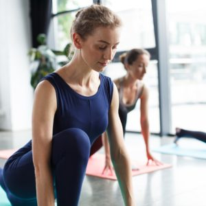 筋膜リリースとヨガで春仕様のカラダに!寒さで硬くなった腰回りの解決法をご紹介!