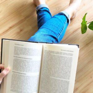 自分の不調は自分で治せる?自己愛を育む読書の薦め